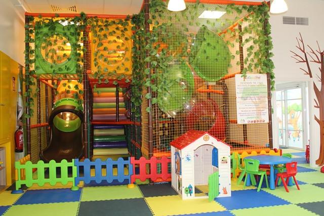 La casita del árbol parque de interior