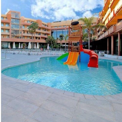 Instalación de zona acuática en Hotel Reina