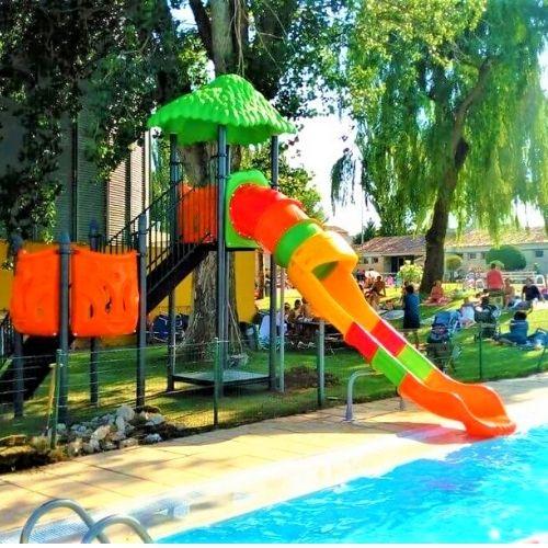 Juegos de agua para piscinas municipales