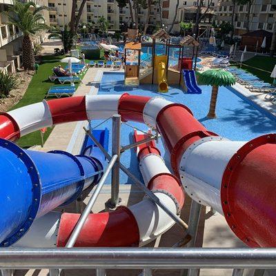 ¿ Por qué los hoteles con parque acuático son los más visitados por las familias?